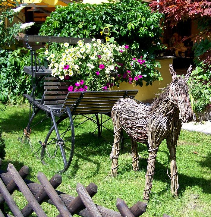 Figuras de caballos para el jardín
