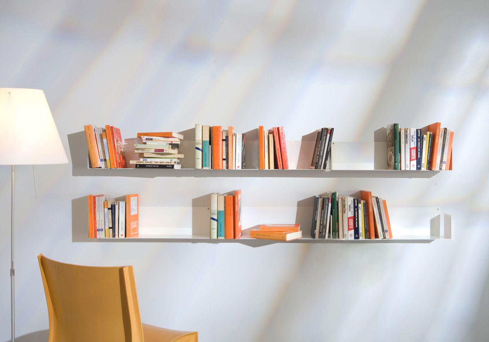 decorar estanterías con libros
