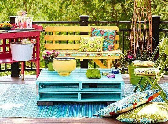 Palets de colores para la terraza
