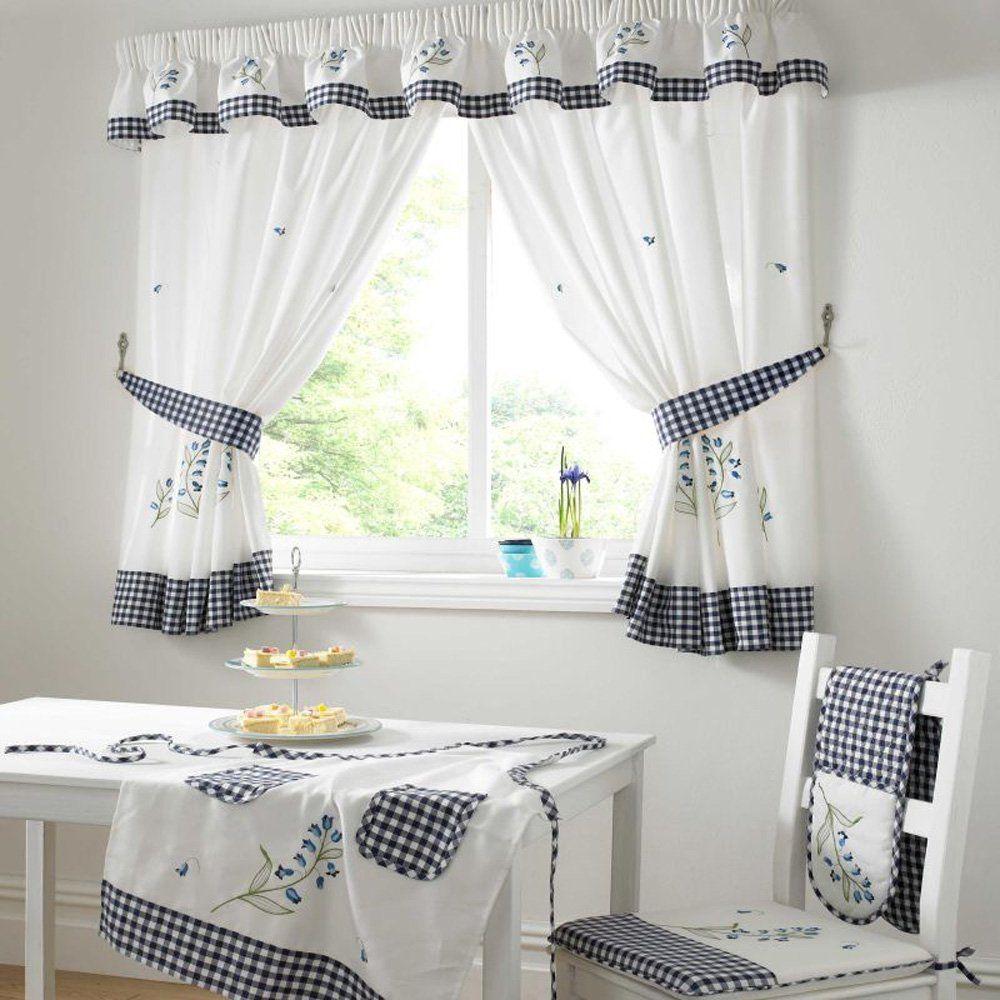 cocina cortina mesa silla decoracion